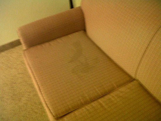 Country Inn & Suites By Carlson, Chattanooga at Hamilton Place Mall: Stains on the sleeper sofa