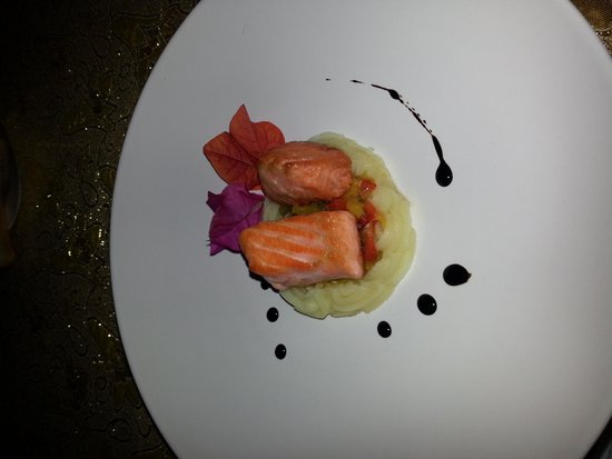 Solata Bali: best meal ever.  had a great time. went there with Bali food tours. highly recommend them and es