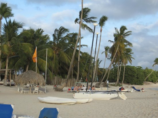 Catalonia Gran Dominicus: beach in front of privilege area