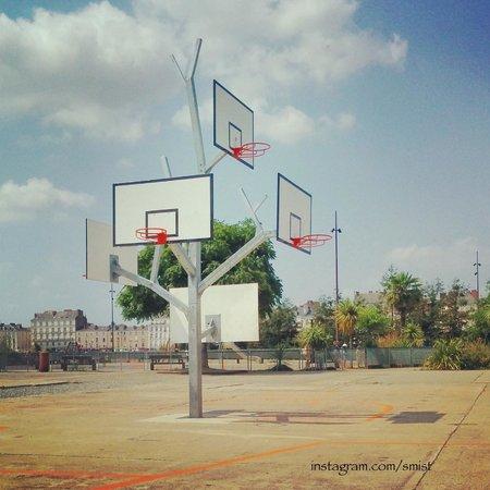 Les Machines de L'ile : Basketball for everyone.