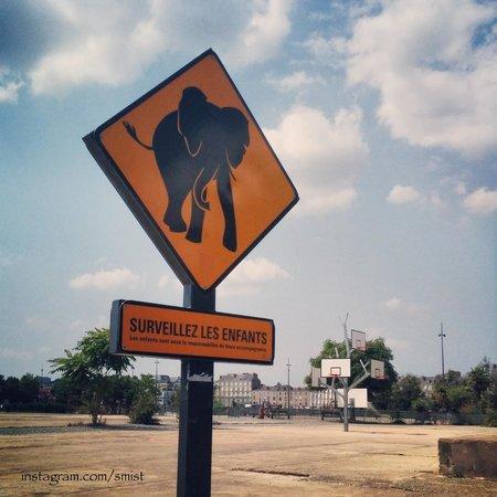 Les Machines de L'ile : Beware of the elephant.