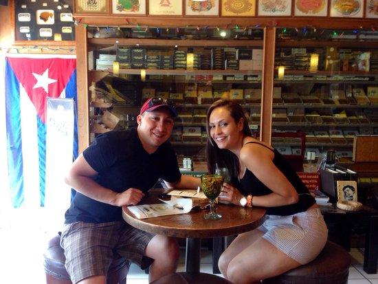 J&J La Casa del Habano : Mojito and a cigar