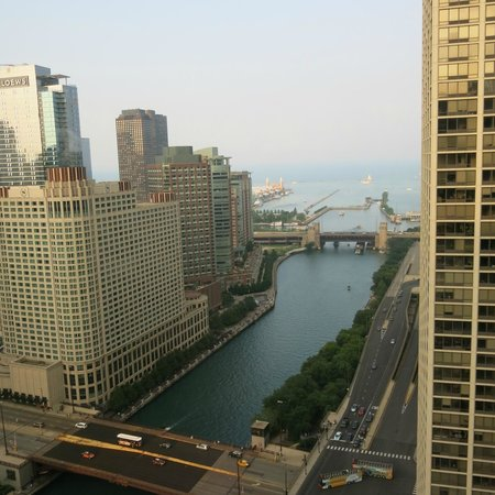 Hyatt Regency Chicago: View from level 34