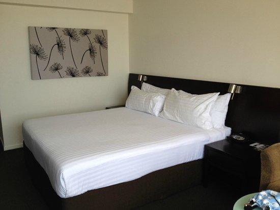 Grand Chancellor Hotel Hobart: King room