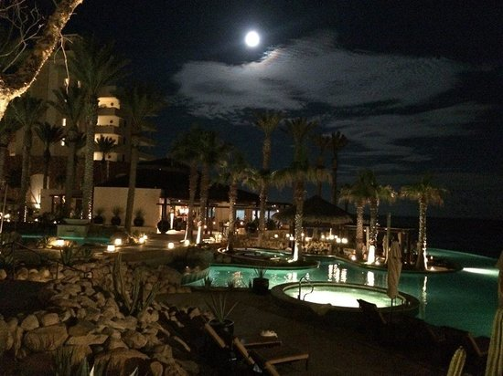 Grand Solmar Land's End Resort & Spa : Resort at night