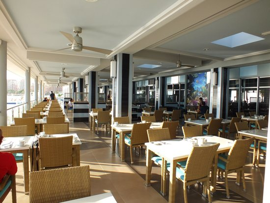 """Hotel Riu Cancun: New restaurant """"Turquesa"""" use to be Le Mission"""
