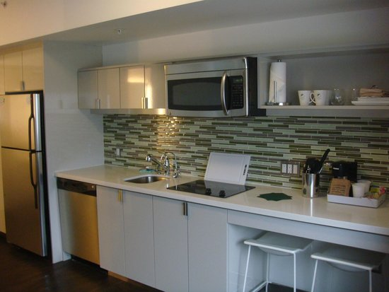Element Denver Park Meadows : In Room Kitchen