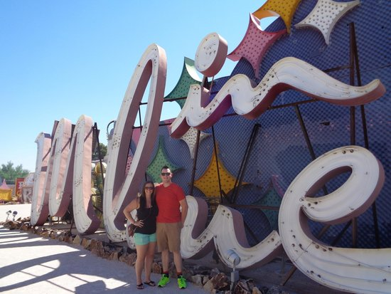 The Neon Museum: in love