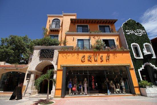 Marco y ornamentos picture of hotel lunata playa del for Best boutique hotels playa del carmen