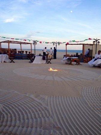 Las Ventanas al Paraiso, A Rosewood Resort: cena in spiaggia
