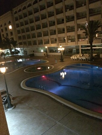 Kn Columbus Aparthotel : Pool in evening, view from room