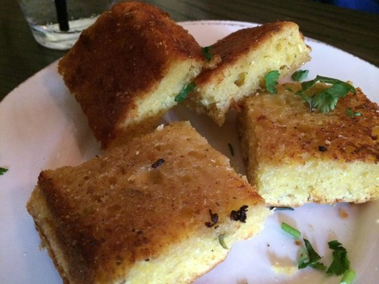 Chow Daddy's: Corn Bread....sweet and moist ... A nice side to order.