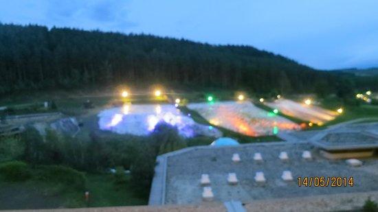 Saliris Resort: At night
