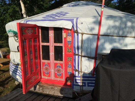 Cabot Shores Wilderness Resort and Retreat: Our cozy yurt.
