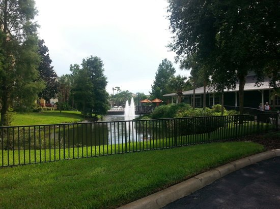 Sheraton Vistana Resort - Lake Buena Vista: Behind marketplace