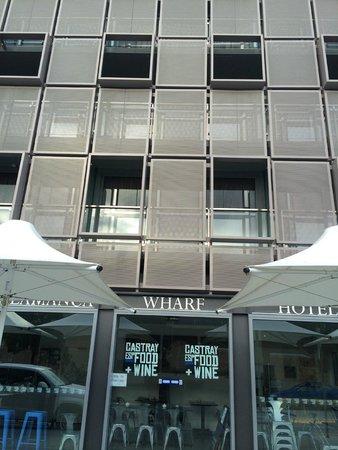 Salamanca Wharf Hotel: outside