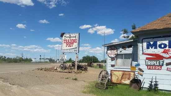 Tucumcari Trading Post: front of the property