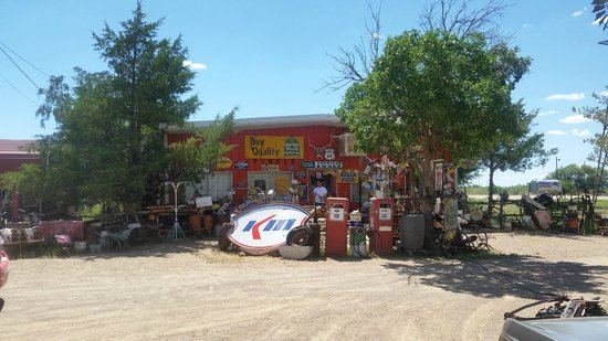 Tucumcari Trading Post: front of the store