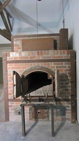 KZ-Gedenkstätte Dachau: Oven.