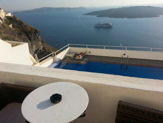 Loucas Hotel: The view of the Caldera from our balcony (picture doesn't do it justice)