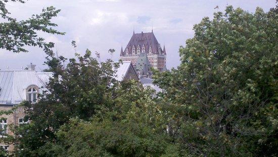 Fairmont Le Chateau Frontenac: Gorgeous from a distance