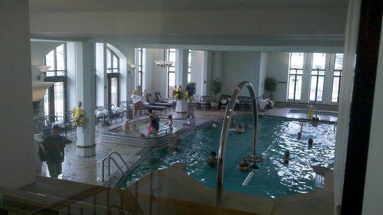 Fairmont Le Chateau Frontenac: Pool