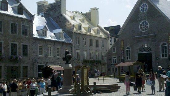 Fairmont Le Chateau Frontenac: Surrounding Old World charm