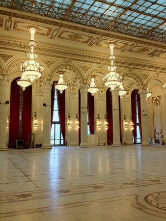 Palace of Parliament : Ballroom