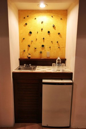 Hotel Lunata: Cocineta y mini refri