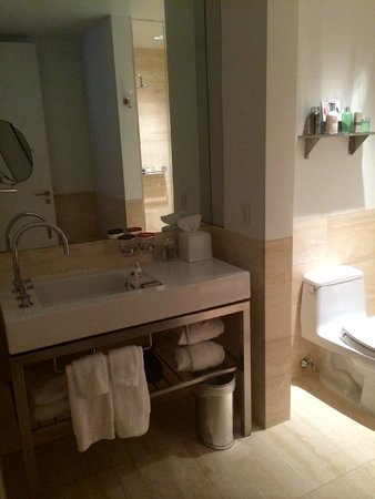 The Bryant Park Hotel : Bathroom