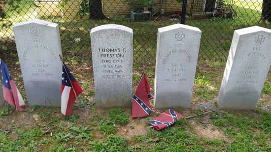 Mount Olivet Cemetery: Soilders feom civil war battle