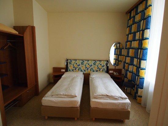 Starlight Suiten Hotel Renngasse: 寝室