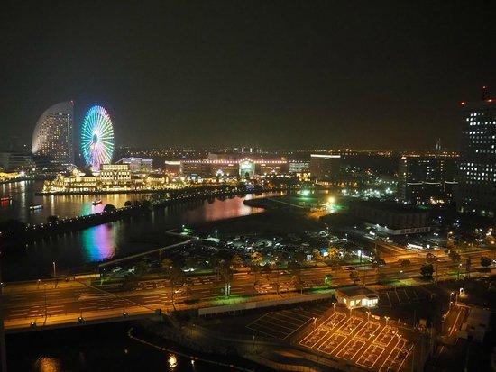 Yokohama Sakuragicho Washington Hotel: 部屋からの夜景