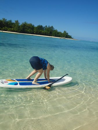 Muri Beach Club Hotel: Paddle boarding???