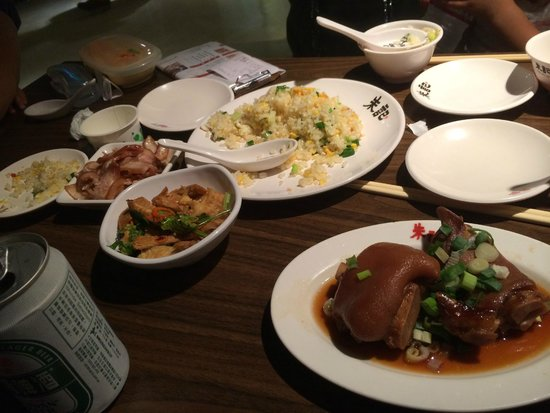 Zhuji - Dunnan: テーブル
