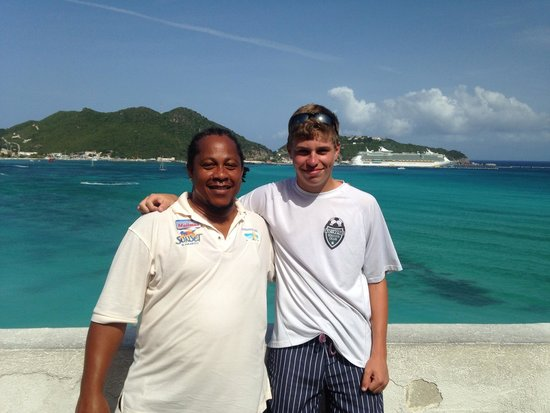 Bernard's Tours : My son and the Mailman