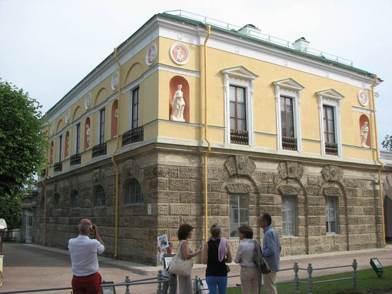 Catherine Palace and Park: Cold Bath house