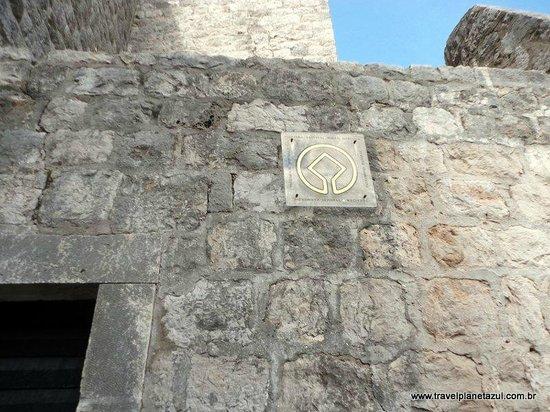 Murallas: Gate Ploce