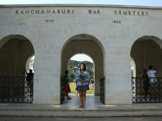 Soldatenfriedhof in Kanchanaburi: ดอนรัก