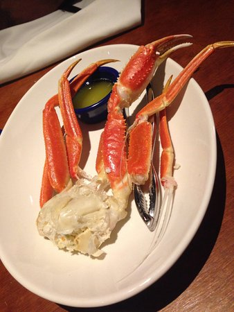 Does this look like 2lbs of snow crab? - Picture of Red Lobster