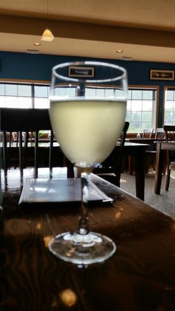 House white wine, Horfrost  |  190 A River Road, Portage la Prairie, Manitoba R1N 3V6, Canada
