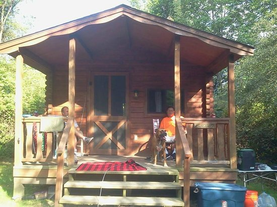 Evergreen Trails Campground: our cabin