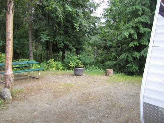 Cedar Bay RV Park : our campsite