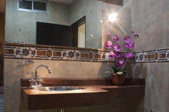 Hotel Alessio : baño