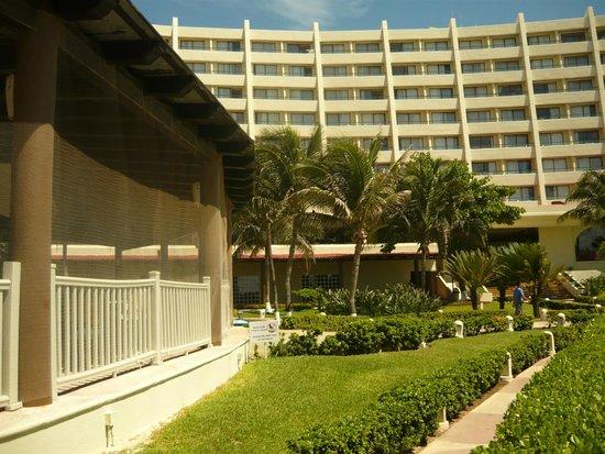"""Crown Paradise Club Cancun: vista parcial del restaurant bufett """"La palapa"""""""