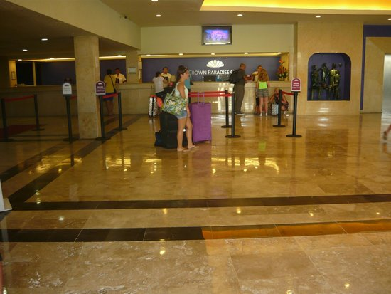 Crown Paradise Club Cancun: El lobby del hotel muy bonito!!!