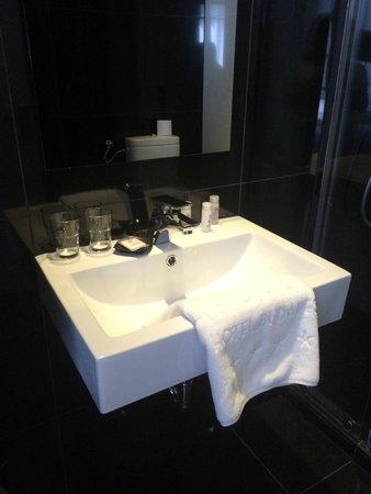 Arcadia Hotel Budapest: bathroom