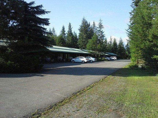 Bonners Ferry Log Inn: Parking