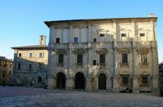 Piazza Grande a Montepulciano: Piazza grande