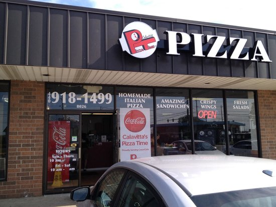 Calavitta's Pizza Time: Storefront.